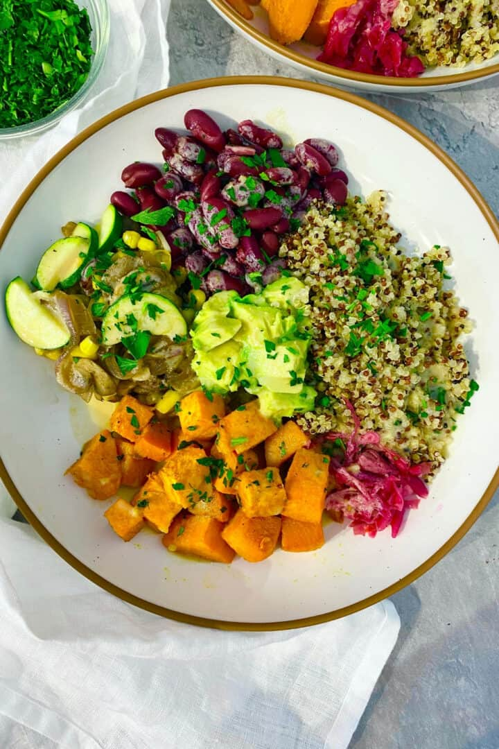 cooked quinoa in a bowl